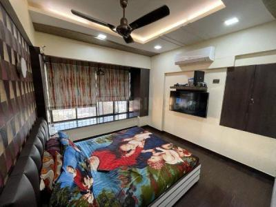 Gallery Cover Image of 950 Sq.ft 2 BHK Apartment for buy in Malad West for 18500000