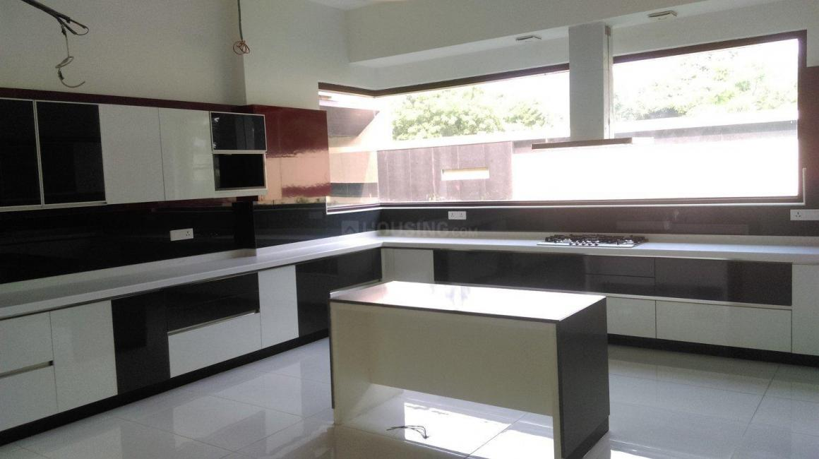 Kitchen Image of 9000 Sq.ft 5+ BHK Independent House for buy in Sat Bari for 140000000
