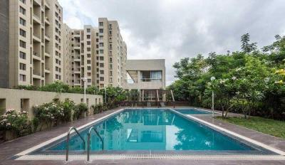 Gallery Cover Image of 1100 Sq.ft 2 BHK Apartment for buy in Gulmohar Primrose, Wagholi for 5300000