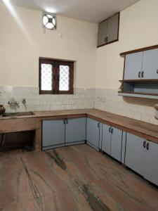 Gallery Cover Image of 1250 Sq.ft 2 BHK Independent Floor for rent in Race Course for 14000