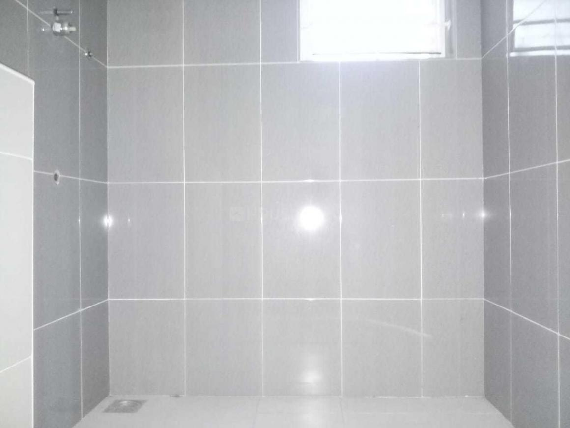 Bathroom Image of 1386 Sq.ft 3 BHK Apartment for buy in Semmancheri for 6800000