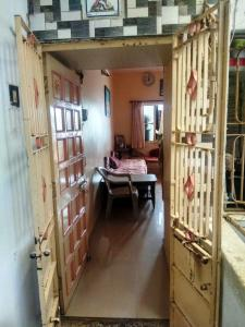 Gallery Cover Image of 500 Sq.ft 1 BHK Apartment for buy in Maninagar for 2600000