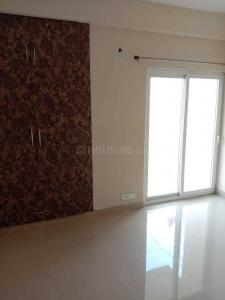 Gallery Cover Image of 1710 Sq.ft 3 BHK Apartment for rent in Phase 2 for 12000