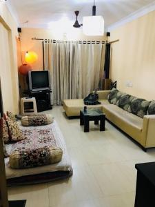 Gallery Cover Image of 1050 Sq.ft 2 BHK Apartment for rent in Kandivali East for 9250