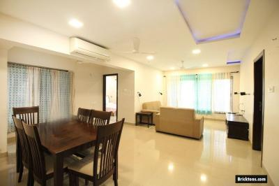 Gallery Cover Image of 1800 Sq.ft 3 BHK Apartment for rent in Khar West for 90000