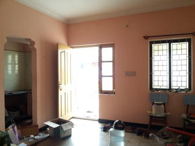 Gallery Cover Image of 700 Sq.ft 2 BHK Apartment for rent in Jeevanbheemanagar for 14000