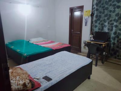 Bedroom Image of Ajali PG in Sector 63