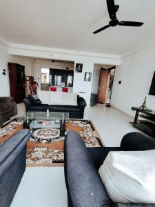 Gallery Cover Image of 1750 Sq.ft 3 BHK Apartment for rent in Pharande Puneville, Tathawade for 26000