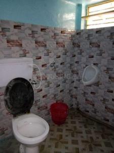 Bathroom Image of Chakraborty Babur PG in Behala