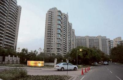 Gallery Cover Image of 9000 Sq.ft 5 BHK Apartment for buy in DLF The Aralias, Sector 42 for 220000000