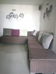 Gallery Cover Image of 1200 Sq.ft 2 BHK Apartment for rent in Naranpura for 21000