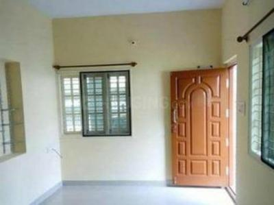 Gallery Cover Image of 500 Sq.ft 1 BHK Independent House for rent in Teynampet for 10000