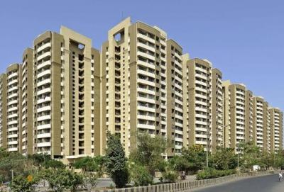 Gallery Cover Image of 1200 Sq.ft 3 BHK Apartment for buy in Kalpatru, Mira Road East for 14500001