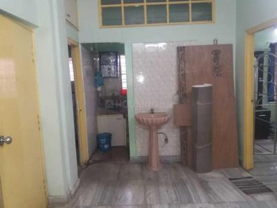 Gallery Cover Image of 780 Sq.ft 2 BHK Apartment for rent in Jadavpur for 20000
