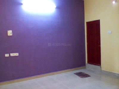 Gallery Cover Image of 1200 Sq.ft 2 BHK Apartment for rent in Porur for 12000