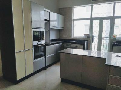 Gallery Cover Image of 5500 Sq.ft 4 BHK Apartment for rent in Bandra West for 500000