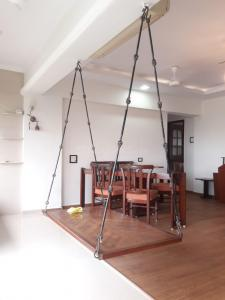 Gallery Cover Image of 1000 Sq.ft 2 BHK Apartment for rent in Navsonarbala Annexe, Bandra West for 80000