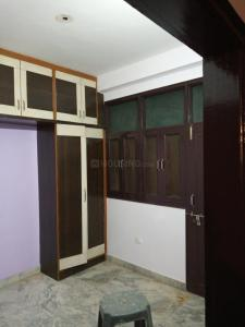 Gallery Cover Image of 1000 Sq.ft 3 BHK Independent Floor for buy in Jamia Nagar for 4500000