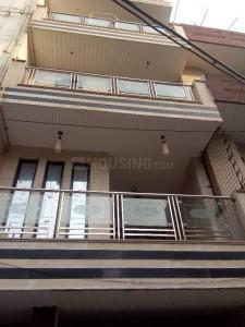 Gallery Cover Image of 950 Sq.ft 2 BHK Apartment for rent in Ramesh Nagar for 21500