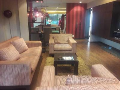 Gallery Cover Image of 1200 Sq.ft 2 BHK Apartment for rent in Koregaon Park for 32000