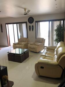 Gallery Cover Image of 1610 Sq.ft 3 BHK Apartment for rent in Wakad for 35000