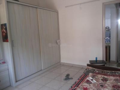 Gallery Cover Image of 1050 Sq.ft 2 BHK Apartment for rent in Ghorpadi for 19000