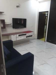 Gallery Cover Image of 2100 Sq.ft 3 BHK Independent Floor for rent in Sector 50 for 45000