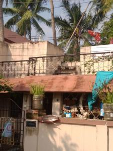 Gallery Cover Image of 2100 Sq.ft 2 BHK Independent House for buy in Selaiyur for 14000000