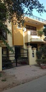 Gallery Cover Image of 2500 Sq.ft 3 BHK Independent House for rent in Ansal API C2 Block, Sector 3 for 27000