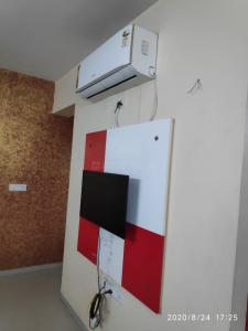 Gallery Cover Image of 1100 Sq.ft 2 BHK Apartment for rent in Makarba for 23000