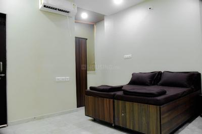 Gallery Cover Image of 1080 Sq.ft 1 BHK Apartment for rent in Ellisbridge for 12000