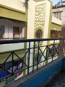 Gallery Cover Image of 850 Sq.ft 2 BHK Apartment for buy in Jadavpur for 4000000