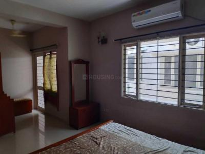 Gallery Cover Image of 1250 Sq.ft 2 BHK Apartment for rent in Velachery for 26500