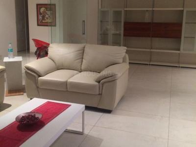 Gallery Cover Image of 4200 Sq.ft 4 BHK Apartment for rent in Magarpatta City for 60000