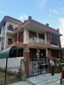 Gallery Cover Image of 3008 Sq.ft 3 BHK Independent Floor for rent in Sigma I for 20000