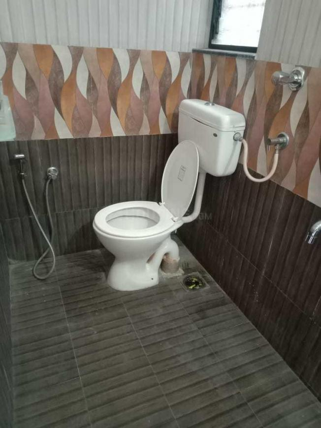 Common Bathroom Image of 1100 Sq.ft 2 BHK Apartment for rent in Tingre Nagar for 20000