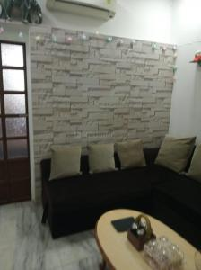 Gallery Cover Image of 750 Sq.ft 2 BHK Apartment for buy in Veena Vihar, Sion for 18000000