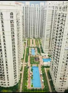 Gallery Cover Image of 2800 Sq.ft 4 BHK Apartment for buy in DLF Capital Greens, Karampura for 42400000