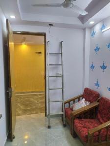 Gallery Cover Image of 800 Sq.ft 2 BHK Independent Floor for rent in Singh Govindpuri - 1, Govindpuri for 10000