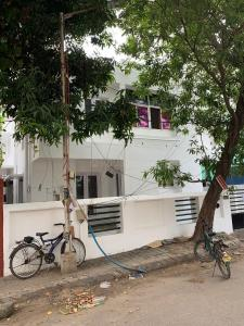 Gallery Cover Image of 2400 Sq.ft 9 BHK Independent House for rent in Ekkatuthangal for 110000