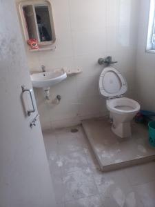 Bathroom Image of PG in Dadar West