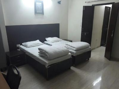 Gallery Cover Image of 800 Sq.ft 2 BHK Independent Floor for rent in Sector 40 for 32000