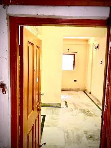 Gallery Cover Image of 700 Sq.ft 2 BHK Apartment for rent in Baghajatin for 9000