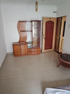 Gallery Cover Image of 610 Sq.ft 1 BHK Apartment for rent in Thakur Gayatri Satsang, Kandivali East for 21000