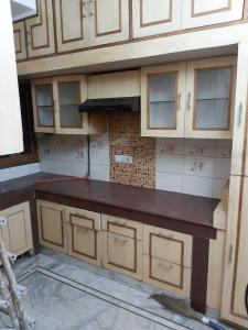 Gallery Cover Image of 1600 Sq.ft 3 BHK Apartment for rent in Paschim Vihar for 35000