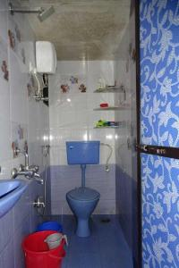 Common Bathroom Image of PG 5439816 Mulund West in Mulund West