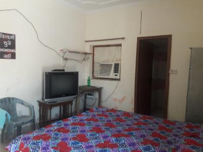 Bedroom Image of PG 4035606 Sarita Vihar in Sarita Vihar