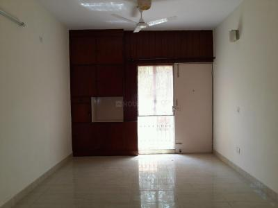 Gallery Cover Image of 1800 Sq.ft 3 BHK Apartment for rent in Vasant Kunj for 45000