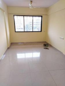 Gallery Cover Image of 650 Sq.ft 2 BHK Apartment for rent in Shivling Apartments, Borivali West for 26000