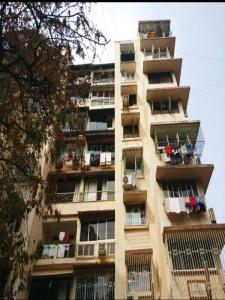 Gallery Cover Image of 800 Sq.ft 1 BHK Apartment for rent in Bandra West for 58000